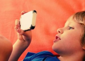 Using your smartphone can lead to delays in developing your child's language