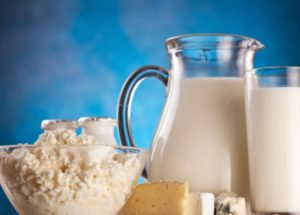 Whole Milk, Skimmed Mild or UHT – Which One Is Healthier?