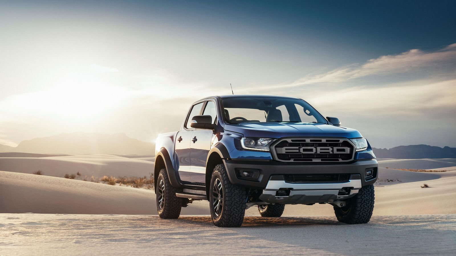2019 Ford Raptor Ranger vs. Colorado ZR2 - Electronics and ...