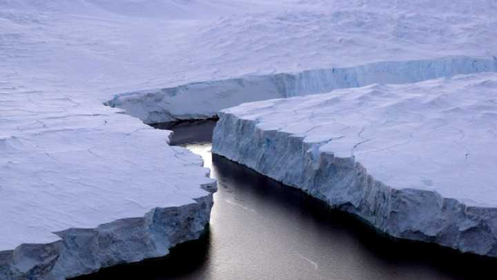 Antarctica Seafloor Exposed After 120000 Years as Giant Iceberg Breaks Off