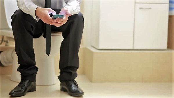 Man's Rectum Falls Out While He Used His Phone On The Toilet