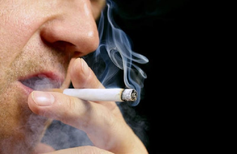 Free e-cigarettes do not help smokers quit, money does finds study