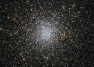 Hubble Space Telescope Photographed A Globular Cluster Of Aging Stars