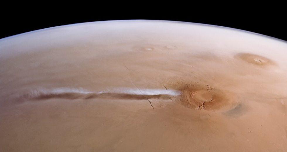 A Strange Cloud has Returned on Mars