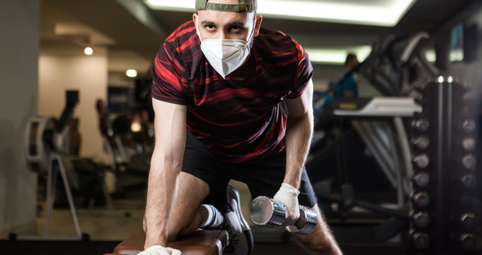 4 Tips on Working Out Safely at a Gym During the Pandemic